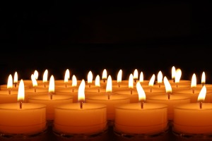 candles-492171_1920